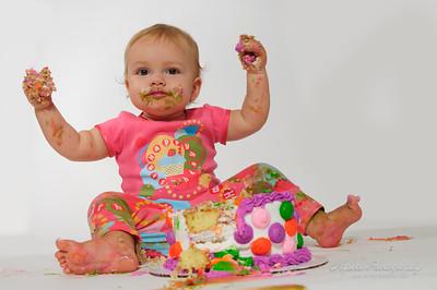Elizabeth 1st birthday--2-2