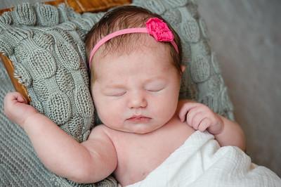 Newborn_Emma-37