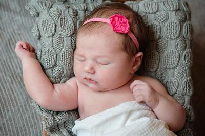 Newborn_Emma-38