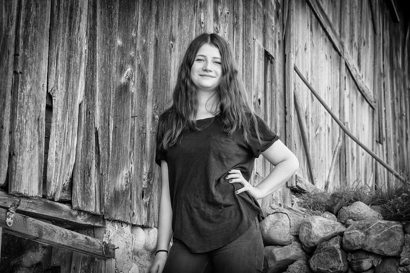 Hanna Falkenhagen - Black & White Barn