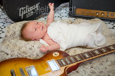 20121126 Gibson Adams 012