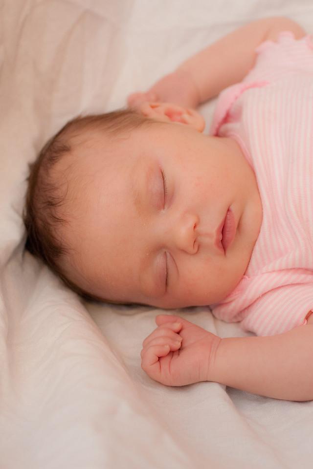 Rachel One Month Infant Portrait (2 of 3)