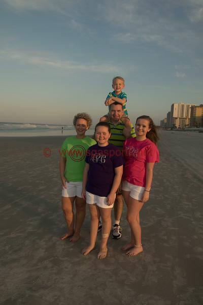 Crabby Joe's, Sun Glow Pier, Daytona Beach Shores, Florida Photo Credit: Shine Rankin Jr. 2015