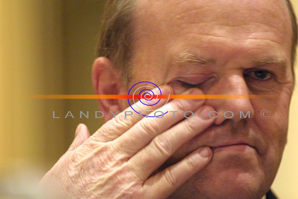 Eye see you.........<br /> Fine Gael leader Micheal Noonan, at the North Kerry nomination in the Listowel Arms Hotel.<br /> Pic Brendan Landy