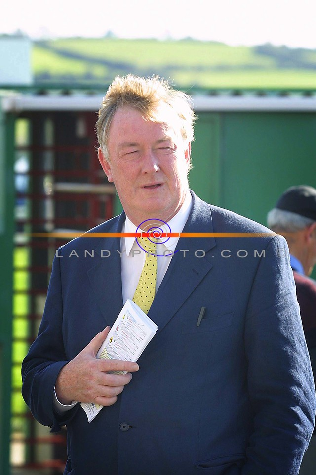 Minister for Sport John O Donoghue  at the opening day of Listowel Race Festival.<br /> Pic Brendan Landy