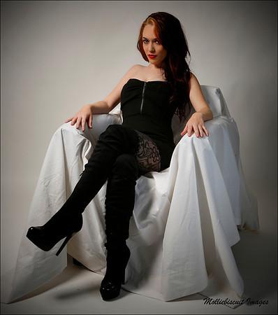 Sitting - Farrah