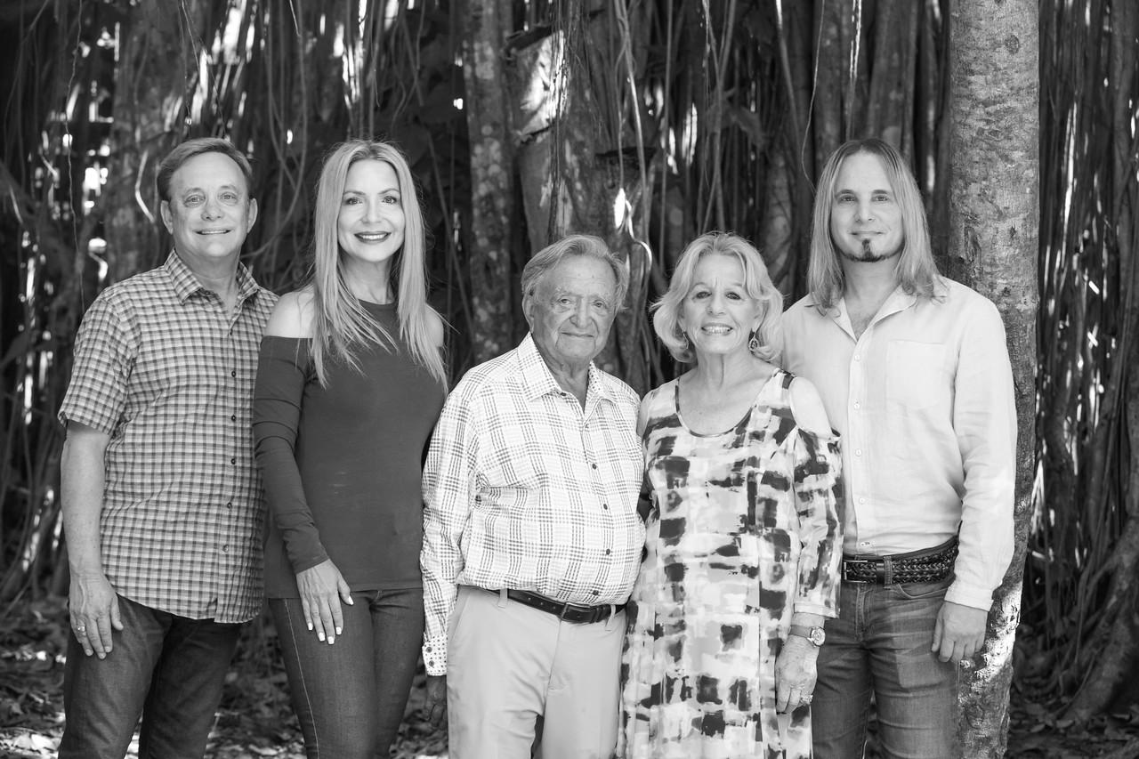 Glick Family Portrait 2017-105-2
