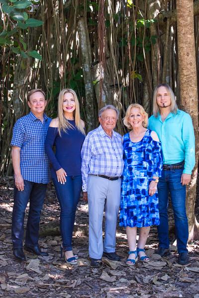 Glick Family Portrait 2017-108