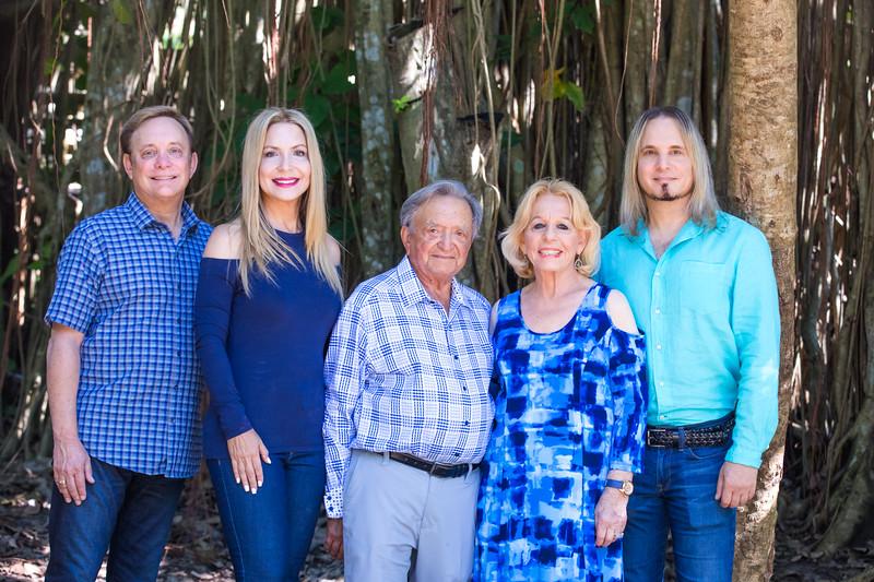 Glick Family Portrait 2017-105