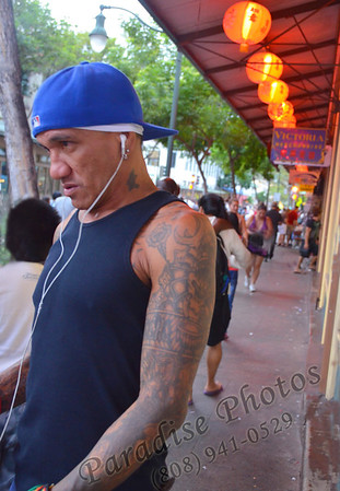 tattoo guy in China town - not homeless