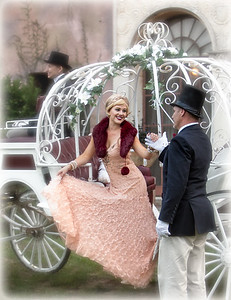 Model Jessica Kelly Howey Mansion Horse and Carriage by Equine Villa