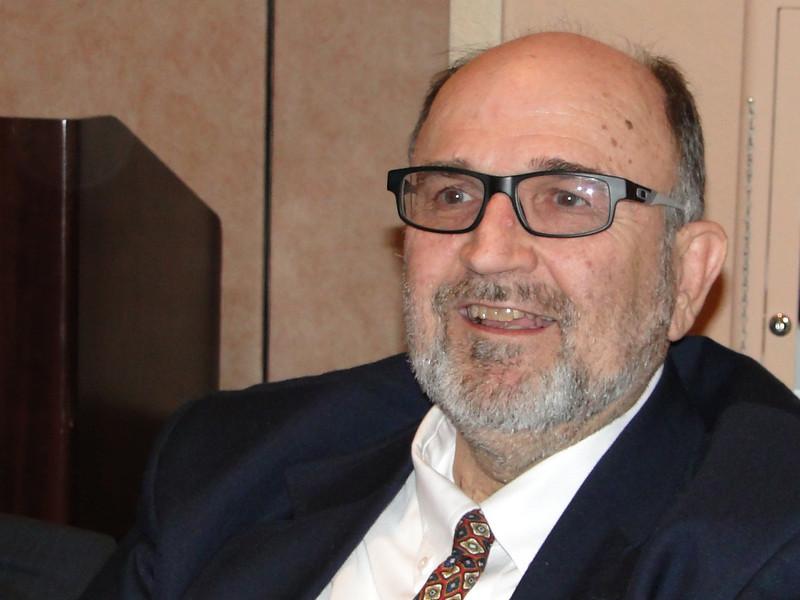 Dr. Lee Bowen