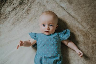 Isabella 4 months-16