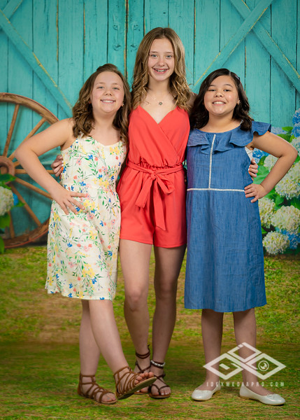 Aguilar Girls Easter Announcementt-00938