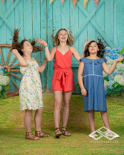 Aguilar Girls Easter Announcementt-00951-Edit