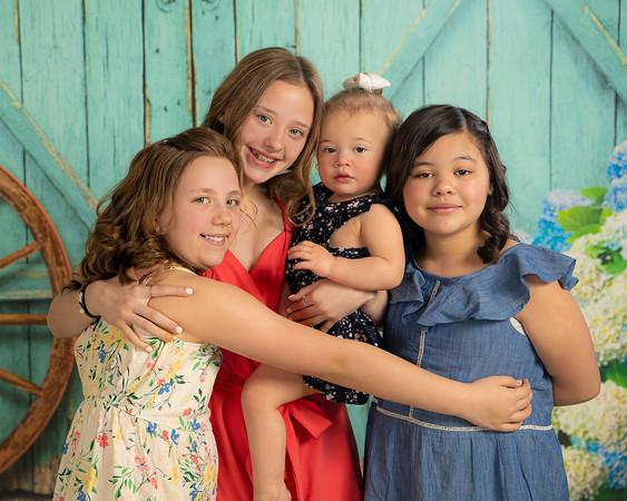 Aguilar Girls Easter Announcementt-00925