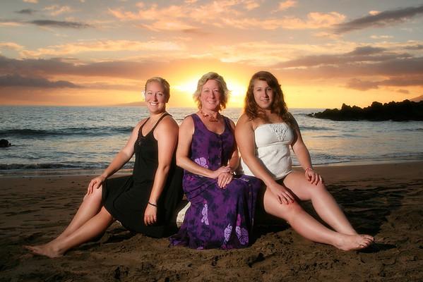 Jessica Takes Her Family To Maui