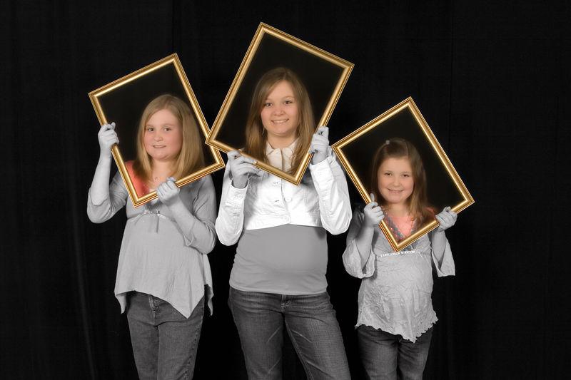 girls frame working2