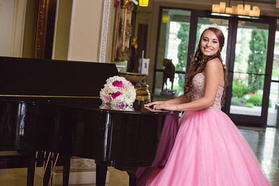 Joceyn pre-quinceanera photography session in Houston, TX.