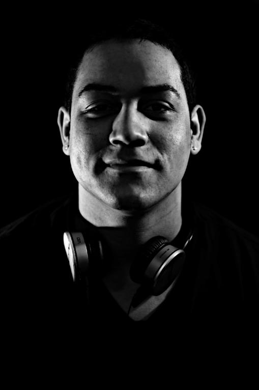 Jonathan Cruz (DJ Crewz)