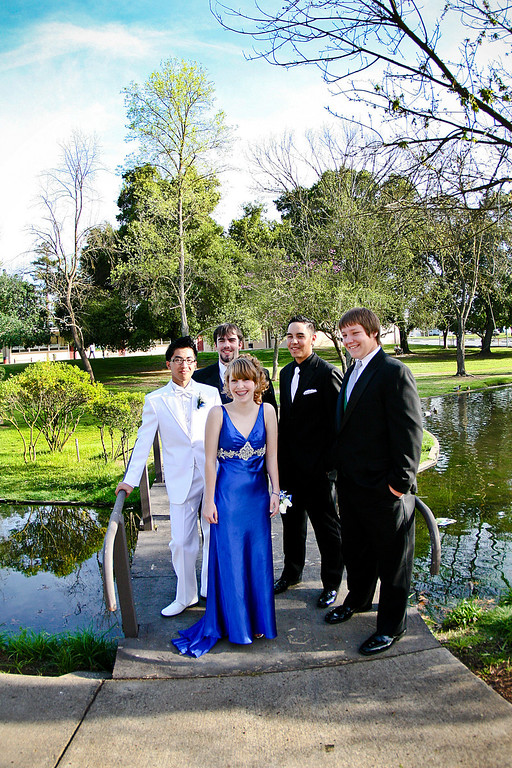 Junior Prom: Niki and the guy's :)