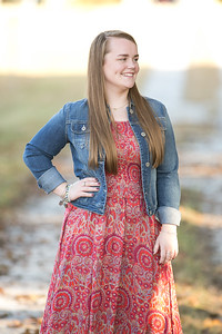 IMG_Class_of_2017_Senior_Portrait-0983