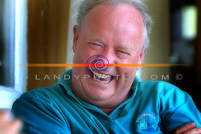 Brendan Kennelly in fine form in his holliday home in Ballybunion. Pic Brenda n  landy