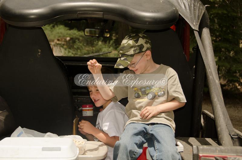 Lex and Gray, enjoying lunch - 2011 Hi Landers Poker Run