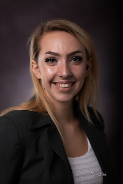 Laurel Ryan-35