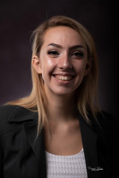 Laurel Ryan-25
