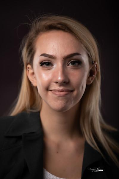 Laurel Ryan-8