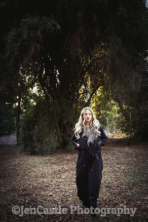 0216-leigh-bardugo-©jencastlephotography