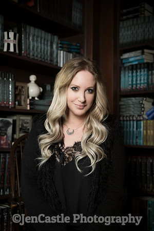 0011-leigh-bardugo-©jencastlephotography