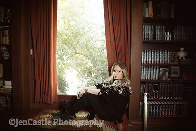 0080-leigh-bardugo-©jencastlephotography