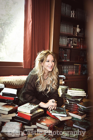 0150-leigh-bardugo-©jencastlephotography