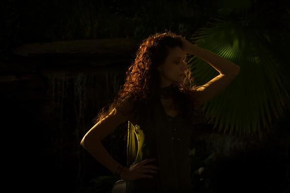 Model: Lynette Scire