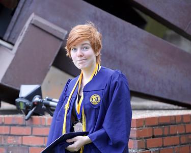 Lizzie 's Graduation Pics