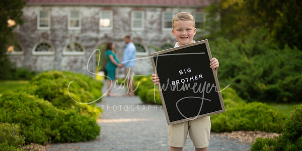 Luke and Debra Maternity Portraits 2018