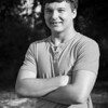 M&MSeniorPortraits-DS1_0106-BW