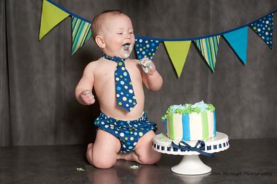 Mason Cake Smash_077