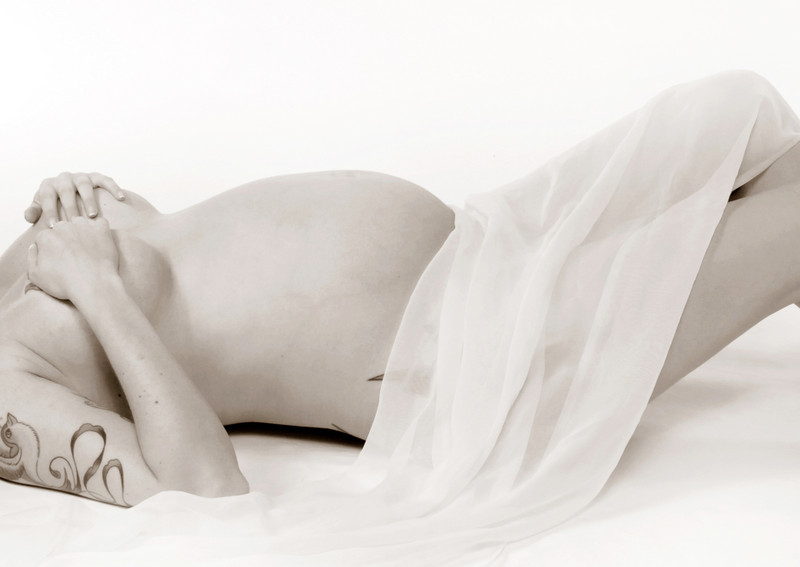 "<a href=""http://www.globalvillagestudio.com/maternity.html"">http://www.globalvillagestudio.com/maternity.html</a><br /> <br /> Maternity Photography done right! Pregnant and Beautiful - Kentucky photographer John Lynner Peterson, Lexington"