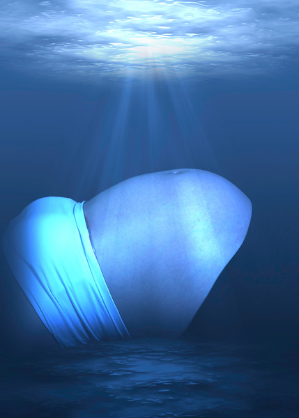 under Water kim-belly-2