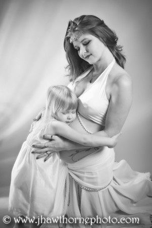 """Maternity photo shoot with Stephanie """"Oracle"""" Cushing and daughter Cassandra."""