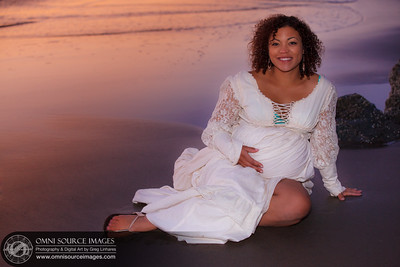 Maternity Session on Red Rocks Beach