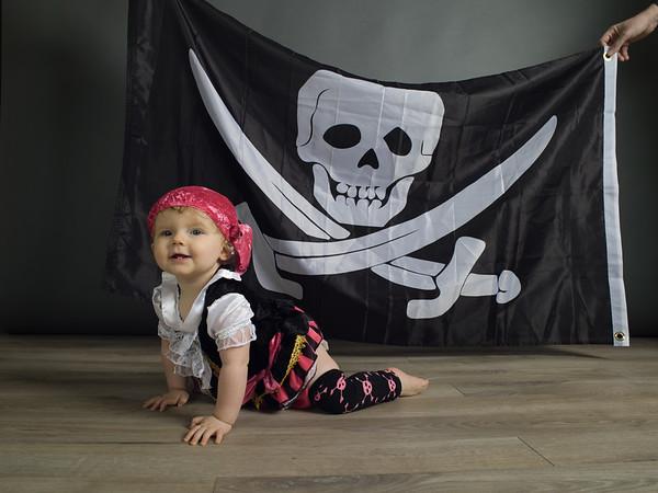 Roxie pirate UNPROCESSED