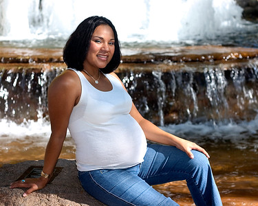Maternity and modeling photography shoot for Melanie on Mill Avenue and Tempe Town Lake in Tempe, Arizona.
