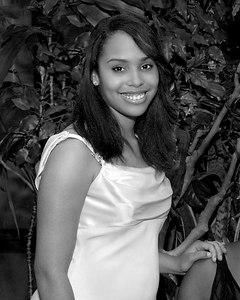 Melissa--008--R382--0448_215156_F80 b&w crop