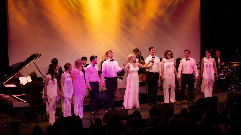 """Alison Rogers with Vocal Manoeuvres choir ( <a href=""""http://www.vm.net"""">http://www.vm.net</a>) at Sydney Opera House"""