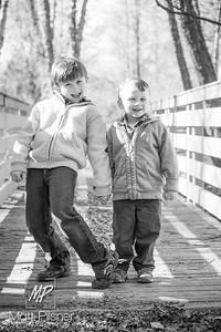 1184-11-14-2015 Fall Family Shots