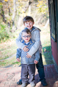 1109-11-14-2015 Fall Family Shots